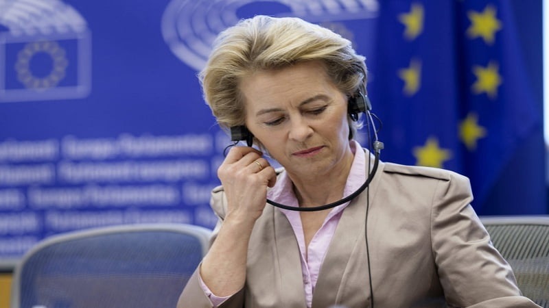epa08503911 European Commission President Ursula von der Leyen attends the weekly conference of President at European Parliament in Brussels, Belgium, 23 June 2020.  EPA-EFE/OLIVIER HOSLET